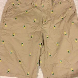 Men's khaki pineapple print shorts 🍍